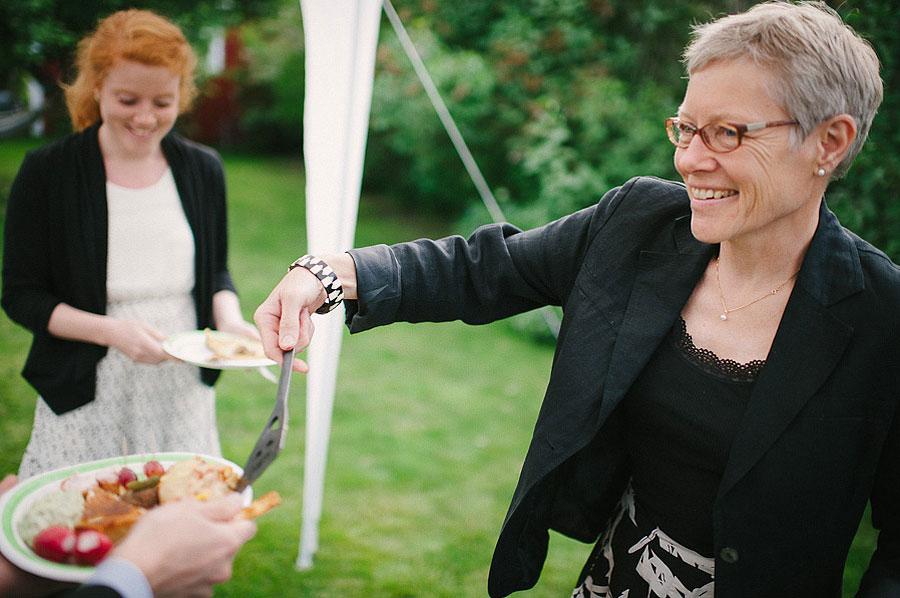 Förkväll bröllopsfotograf Alingsås servering