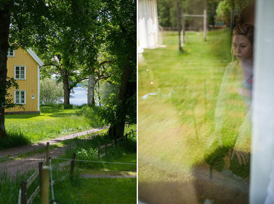 bröllopsfotograf Göteborg - miljö - väg, äng, hus, spegling brud
