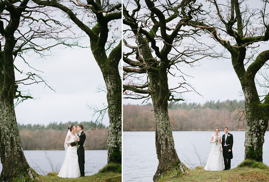 Bröllop Nääs Fabriker Bröllopsporträtt på stranden höstbröllop fotograf Göteborg