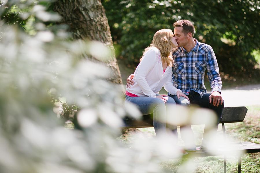 Marianne & Mikael Pre-Wedding Shoot Gothenburg - Provfotografering inför bröllopet vid Näckrosdammen