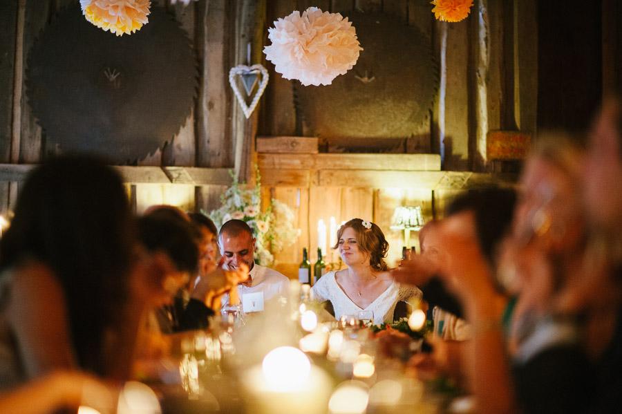 Bröllopsfoto Kvarnen i Hyssna - Brudparet under middagen