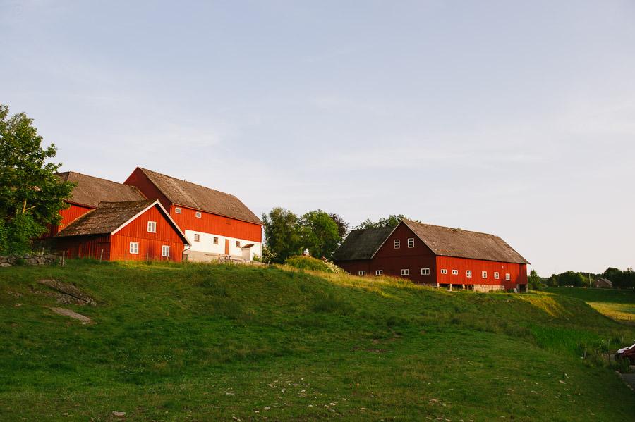 Bröllopsfoto Kvarnen i Hyssna - Miljöbild ladugård