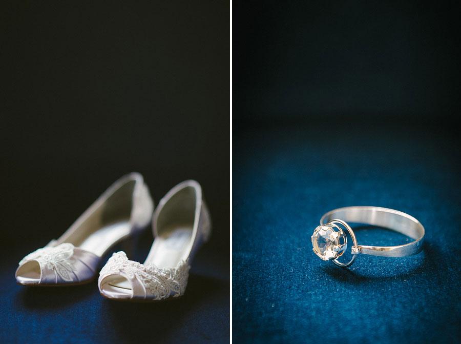 bröllopsbilder Grand Hotel Marstrand skor och armband