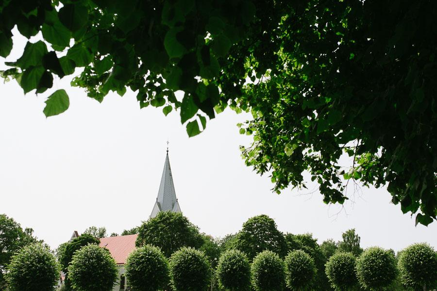 Bröllopsfoto Kalv - miljöbild kyrkan