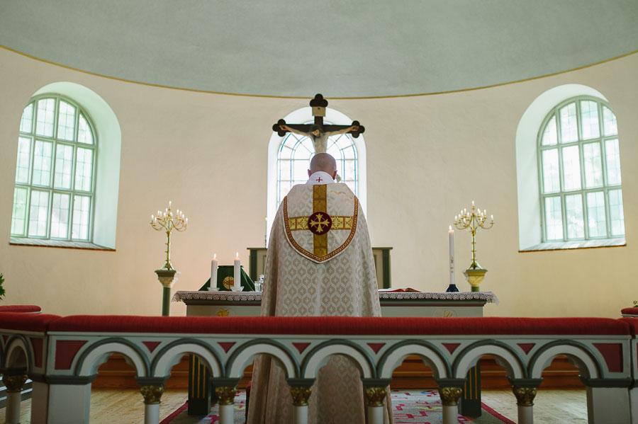 Bröllopsfoto Kalv - miljöbild kyrka