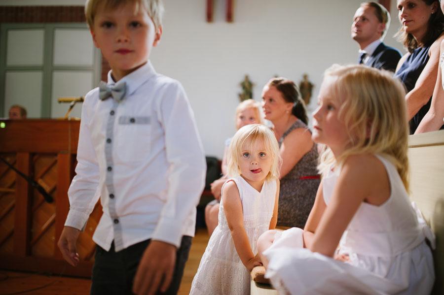 Bröllopsfotograf Kalv - vigsel gudstjänst barn