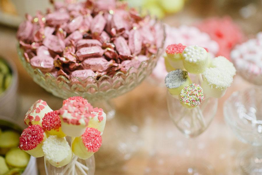 Bröllopsfotograf Backa Loge - kakbuffé cup cakes macarones
