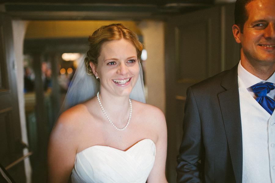 Bröllopsfotograf Tuve kyrka - Vigsel. Tårar.
