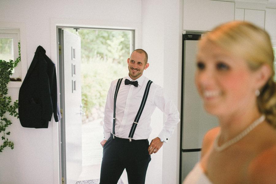 fotograf fotojournalistisk reportagestil Gråbo, Göteborg - förberedelser brud och brudgum