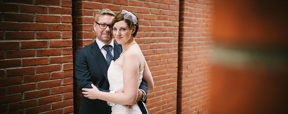 Bröllop på River Café Eriksberg Göteborg - bröllopsporträtt brudparet