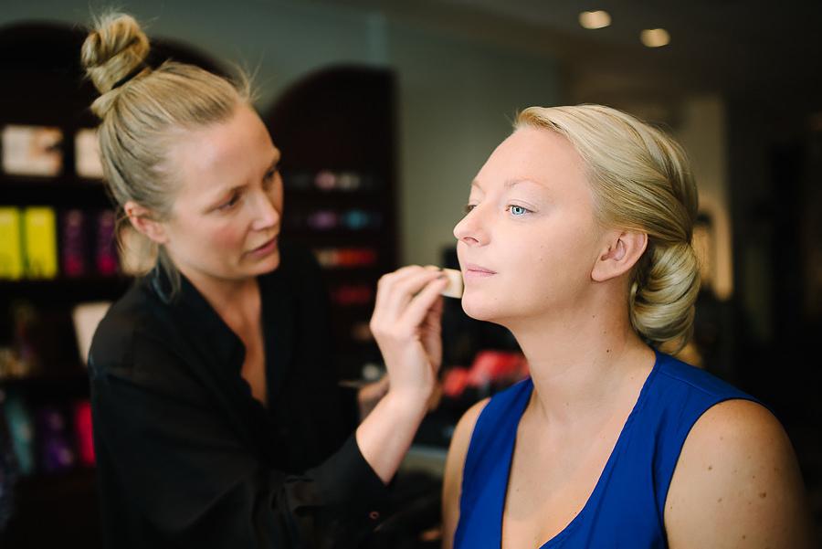 Bröllop i Göteborg - Hår & Make på Skönhetsfabriken Clarion Hotel Post - bruden