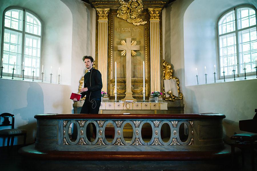 Bröllop Örgryte Gamla Kyrka vigsel - prästen