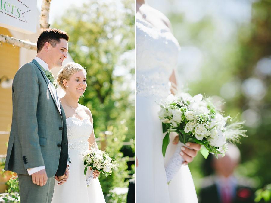 Bröllop på Sjölyckan, Tollered nära Nääs Fabriker. Vigseln med brudparet.
