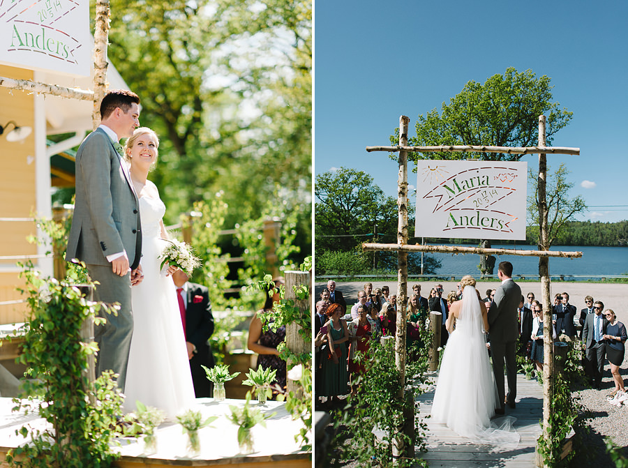 Bröllop vid en sjö - Bröllop på Sjölyckan - Brudparet under vigseln