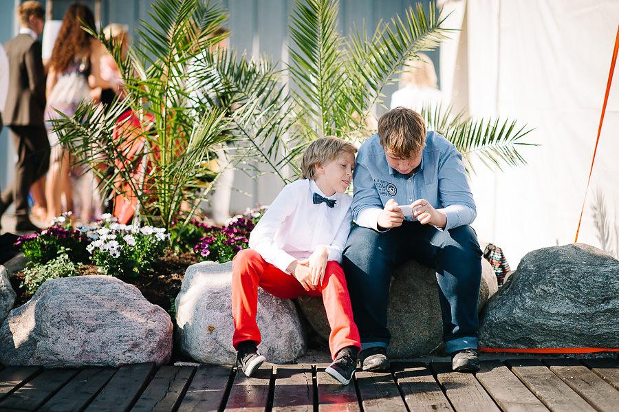 Bröllop på Marstrand - miljöbild mingel