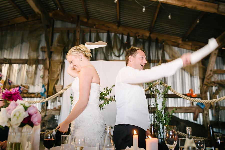 Västkustbröllop på Marstrand - middag och fest lekar