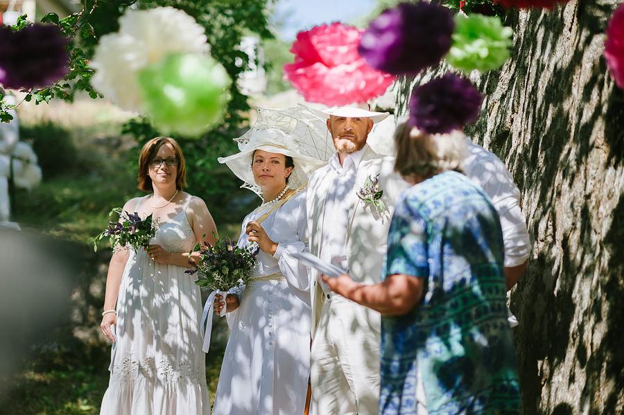 DIY bröllop i lantmijö - klädkod vitt 20-tal