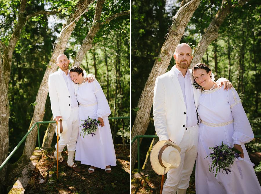 sommarbröllop med vintagetema - porträtt av brudparet