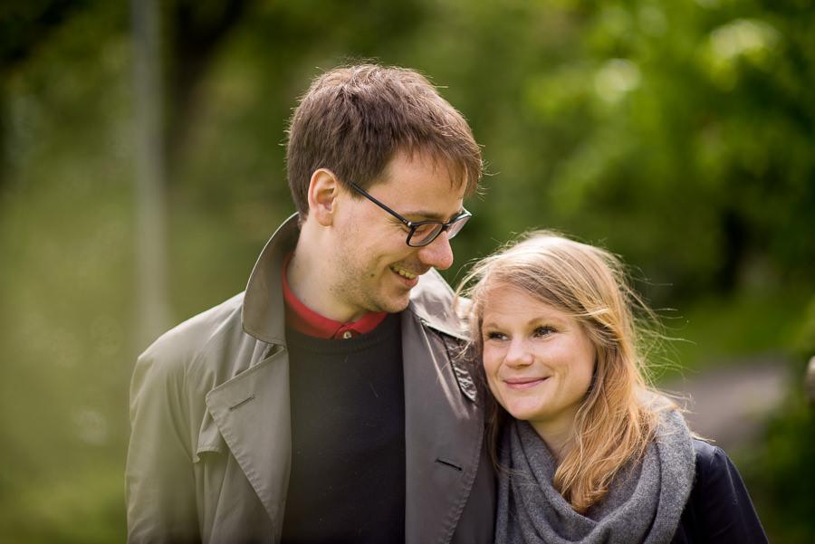 Blivande brudparet. GIfter sig i sommar på Särö.