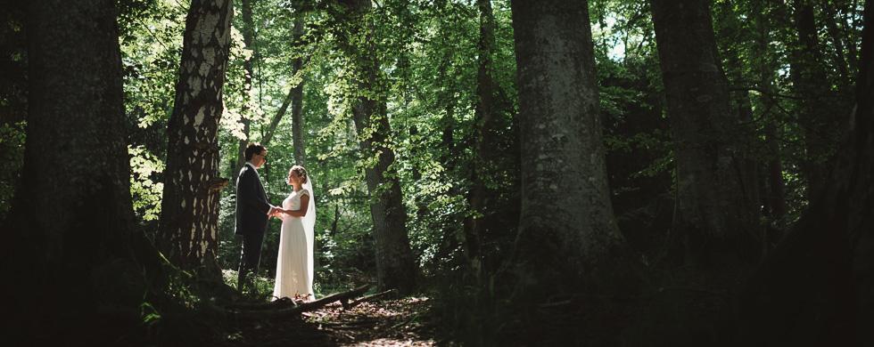 Säröbröllop men porträtt i Särö Västerskog