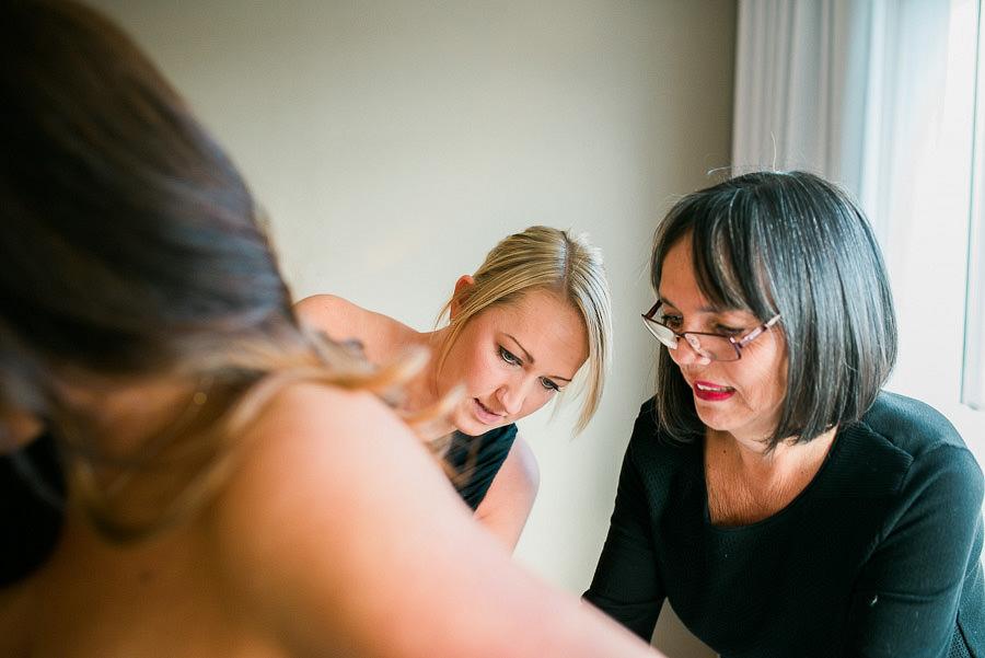 höstbröllop - brudens förberedelser på Gothia Tower klänning