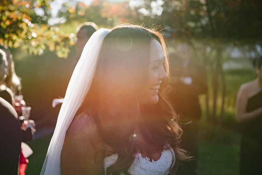 oktoberbröllop utomhus - gratulationer bruden